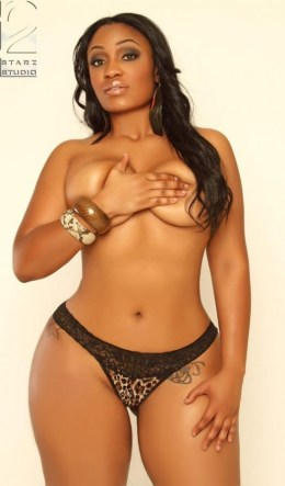 Kyra-Chaos-topless-wearing-a-handbra-and-showing-off-her-sexy-curves-in-a-black-and-cheetah-print-thong-in-her-shoot-with-2-Starz-Studios