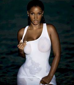 Bernice Burgos Wet See Through by Brendan Forbes 001