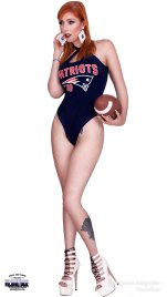 Lauren-Phillips-Football1-ce-wiley-studios---wizsdailydose