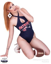 Lauren-Phillips-Football3-ce-wiley-studios---wizsdailydose