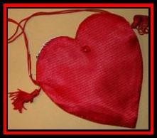 qphrt01_e982562e-heart-bag1