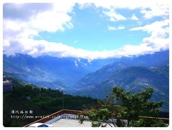[南投清境住宿] 頂代格拉斯莊園~住在藍天白雲山頂小木屋 @小環妞 幸福足跡