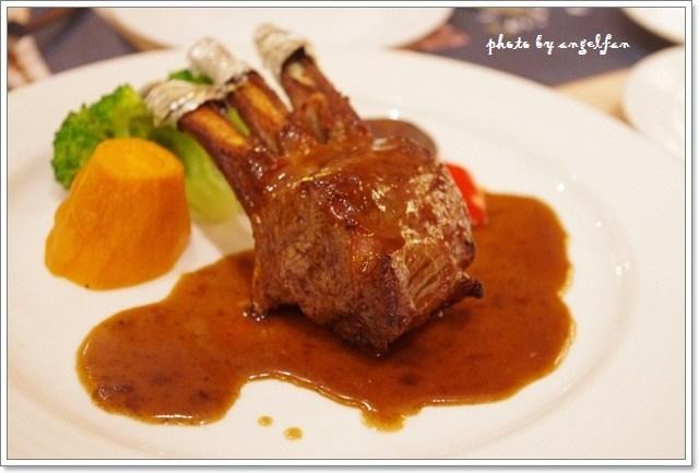 [宜蘭美食餐廳]˙茶水巴黎西餐廳 ♥ 氣氛極好的歐風用餐環境 @小環妞 幸福足跡