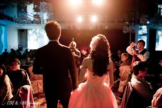▌婚禮 ▌秘密行動成功 ♥ 二次進場絕對感人感謝親恩橋段(內有洋蔥) @小環妞 幸福足跡