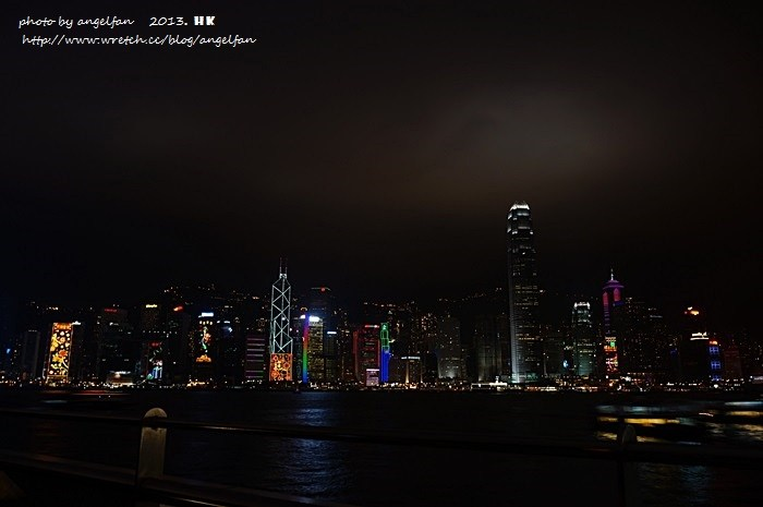 [香港自由行]幻彩詠香江 ♥ 金氏世界紀錄˙全球最大型燈光音樂匯演 @小環妞 幸福足跡