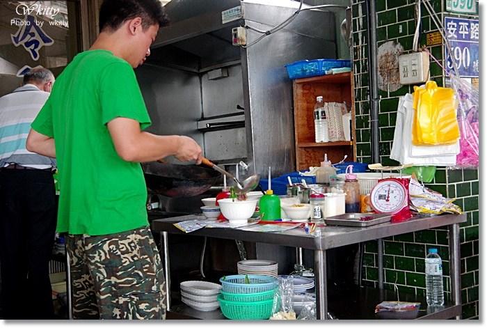 [文章牛肉湯] 台南安平˙難以忘懷的牛肉,在地人超喜愛! @小環妞 幸福足跡
