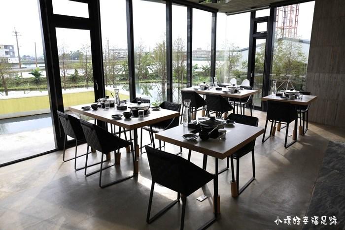 【宜蘭五結美食】影子鍋物,水中的清水模餐廳,享用火鍋海陸大餐! @小環妞 幸福足跡