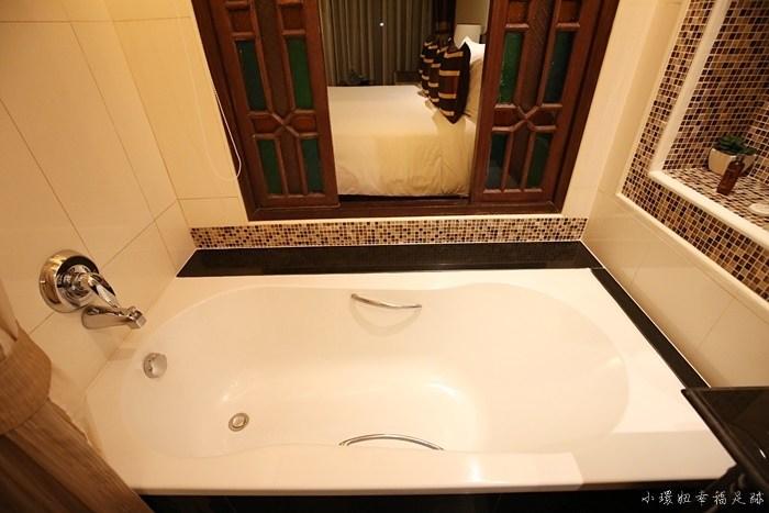 【清邁住宿】酋長王宮飯店,便宜又有大泳池大浴缸的奢華享受 @小環妞 幸福足跡