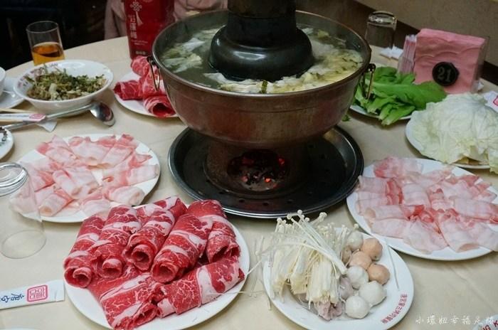 【行天宮站火鍋】唐宮蒙古烤肉,酸菜白肉鍋,酸菜湯好酸好美味 @小環妞 幸福足跡