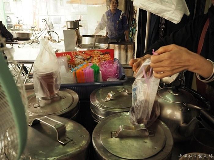 台中小吃懶人包,台中第五市場,太空紅茶冰,第五市場 粥,第五市場必吃,第五市場美食,第五市場蚵仔粥 @小環妞 幸福足跡