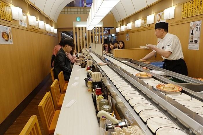 【大阪道頓崛美食】元祿壽司,日本平價CP值高迴轉壽司,要排隊 @小環妞 幸福足跡