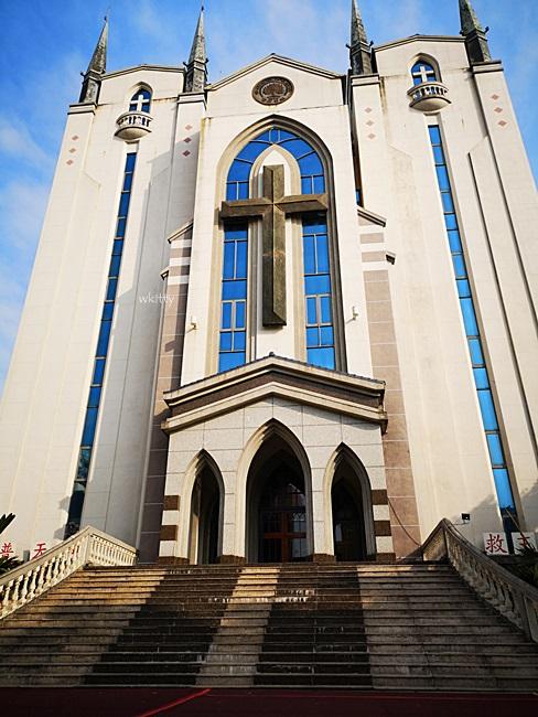 【高雄網美景點】鳳山基督長老教會,純白哥德式教堂建築,打卡去! @小環妞 幸福足跡