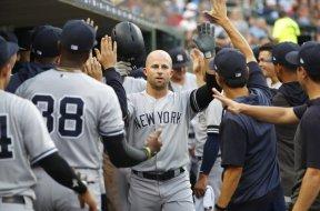 Yankees Brett Gardner fives AP