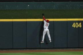 Reds Senzel wall HR AP