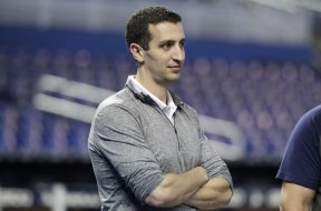 Brewers GM Stearns AP