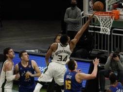 Giannis v Nuggets AP