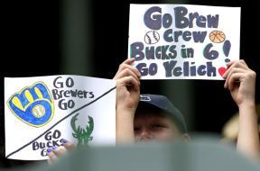 Brewers Bucks crowd AP