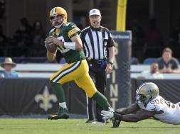 Packers Rodgers Scrammble Saints AP