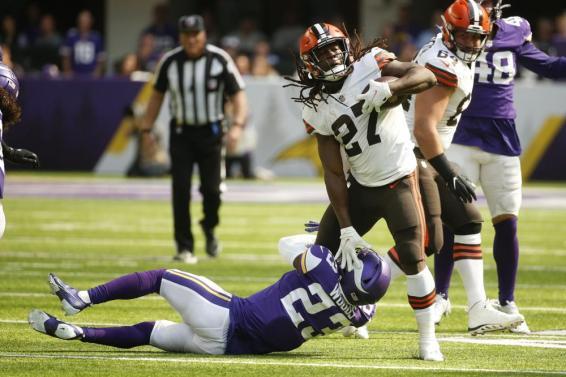 Kareem Hunt Browns Vikings AP