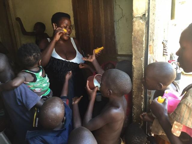 A Woman From Uganda Who Gave Birth to 44 Children Reveals What Her Life Is Like