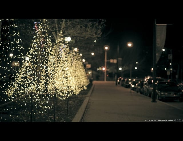 Świąteczne iluminacje zwiększają poziom zanieczyszczenia nieba światłem