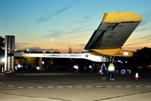 Samolot o napędzie słonecznym Solar Impulse 2 zakończył podróż dookoła świata