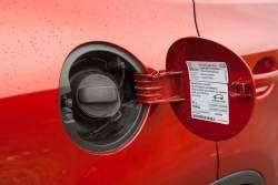Samochody z silnikiem benzynowym - wlaczoszczedzanie.pl - Flickr / @ Petr Magera / CC BY 2.0