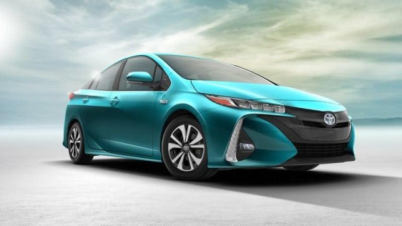 Toyota nagrodzi każdego posiadacza modelu Prius Prime za używanie tego auta