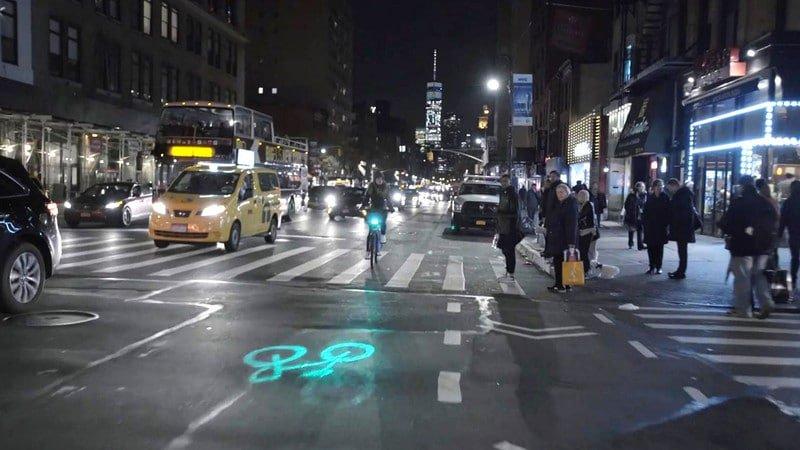 Pojawiły się rowery z laserowymi projektorami zwiększającymi bezpieczeństwo rowerzystów