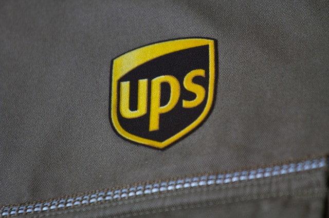 Firma UPS stworzyła oprogramowanie które ogranicza skręty w lewo co przekłada się na spore oszczędności na paliwie