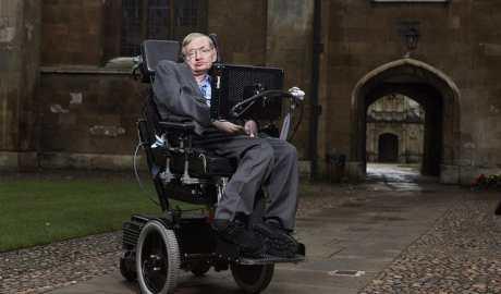Znany fizyk Stephen Hawking ostrzega ludzkość że będzie musiała opuścić Ziemię w ciągu 600 lat