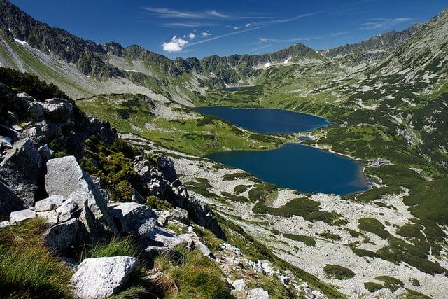Wody stawów na terenie Tatrzańskiego Parku Narodowego są coraz bardziej zanieczyszczone przez człowieka