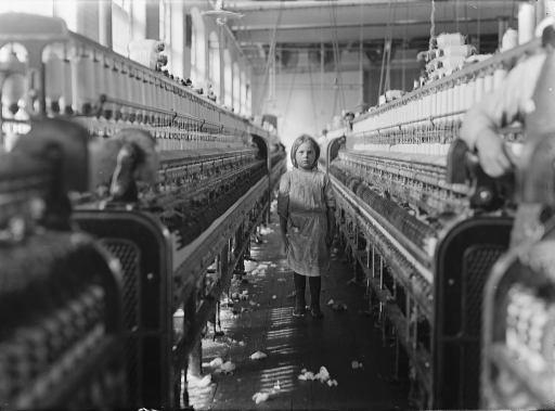 W fabrykach podczas rewolucji przemysłowej były zatrudniane nawet 5-letnie dzieci