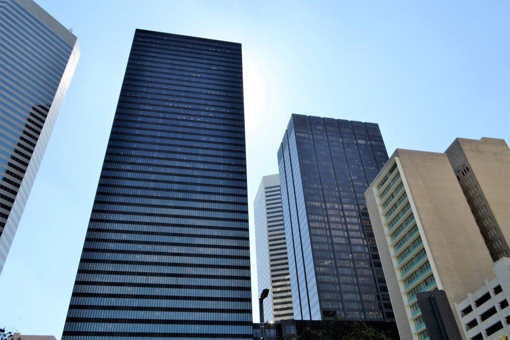 Drukowane perowskitowe panele fotowoltaiczne zrewolucjonizują rynek. Pojawią się na budynkach, samochodach czy sprzętach elektronicznych