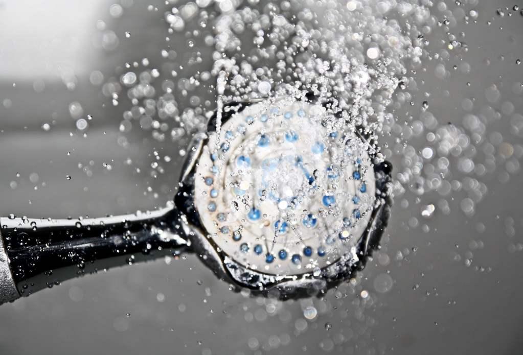 Jak oszczędzać wodę w łazience