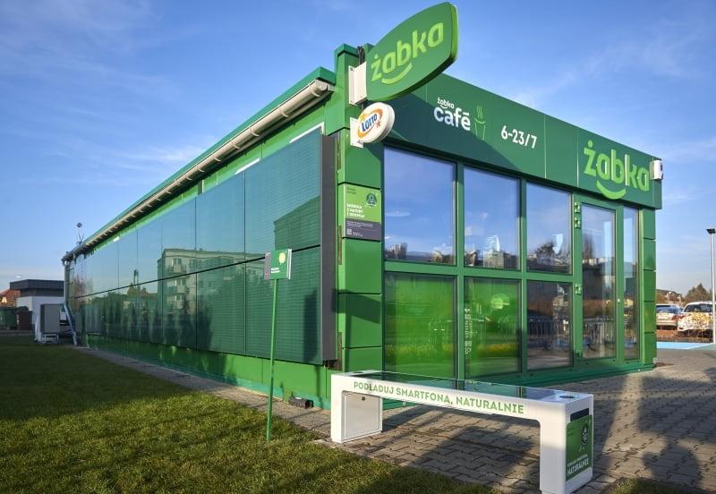 Innowacyjny sklep Żabka prezentuje, jak może wyglądać przyszłość zastosowania proekologicznych rozwiązań w handlu