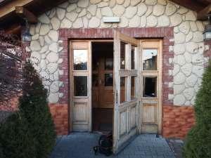 Montaż systemu jednego klucza w restauracji Chata Staropolska