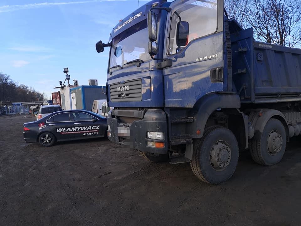 Awaryjne otwieranie ciężarówki MAN - zatrzaśnięte kluczyki