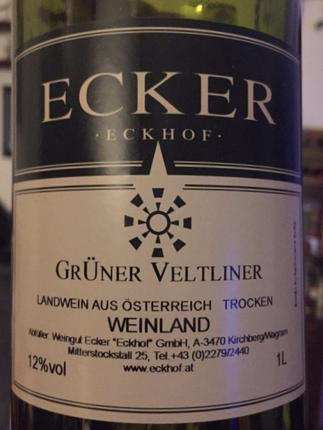Label from bottle of Ecker Weinland Grüner Veltiner 2013 Trocken