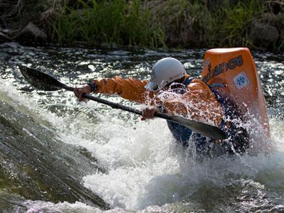 Kajakarze freestyle'owi wracają do treningów na Bobrze