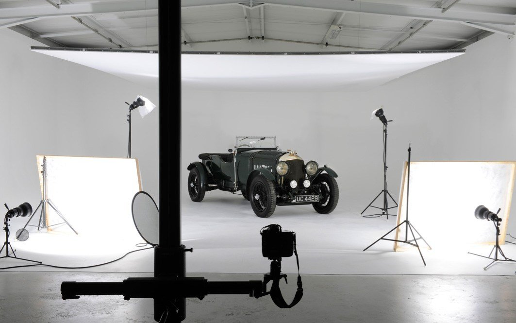 New Car Photography And Post Production Masterclass – Wayne On This Month