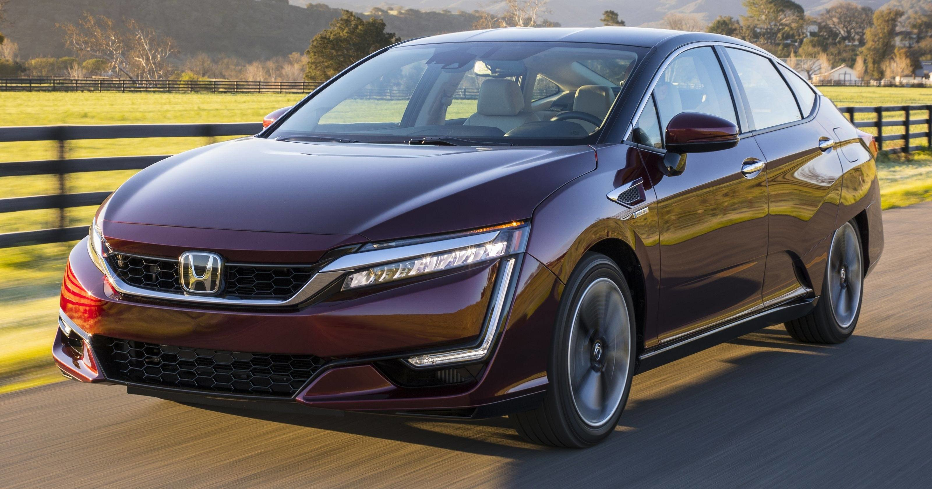New Review Honda Clarity Hydrogen Car Won T Go The Distance On This Month