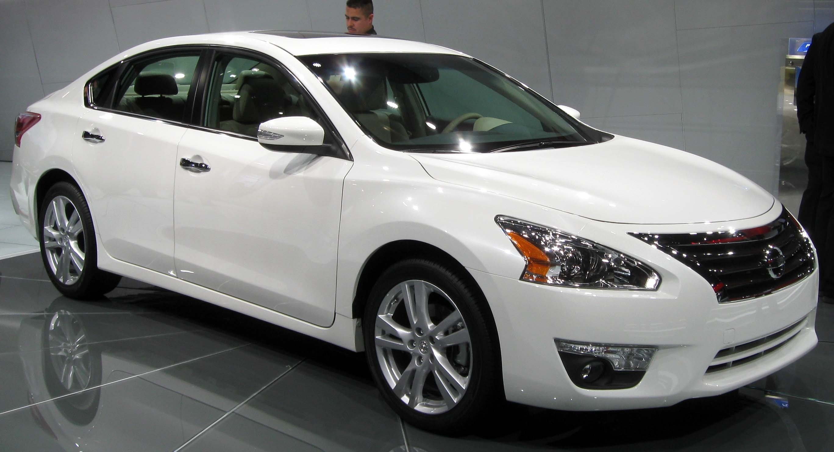 New Auto Recalls Hood Of Nissan Altima Could Pop Up While On This Month