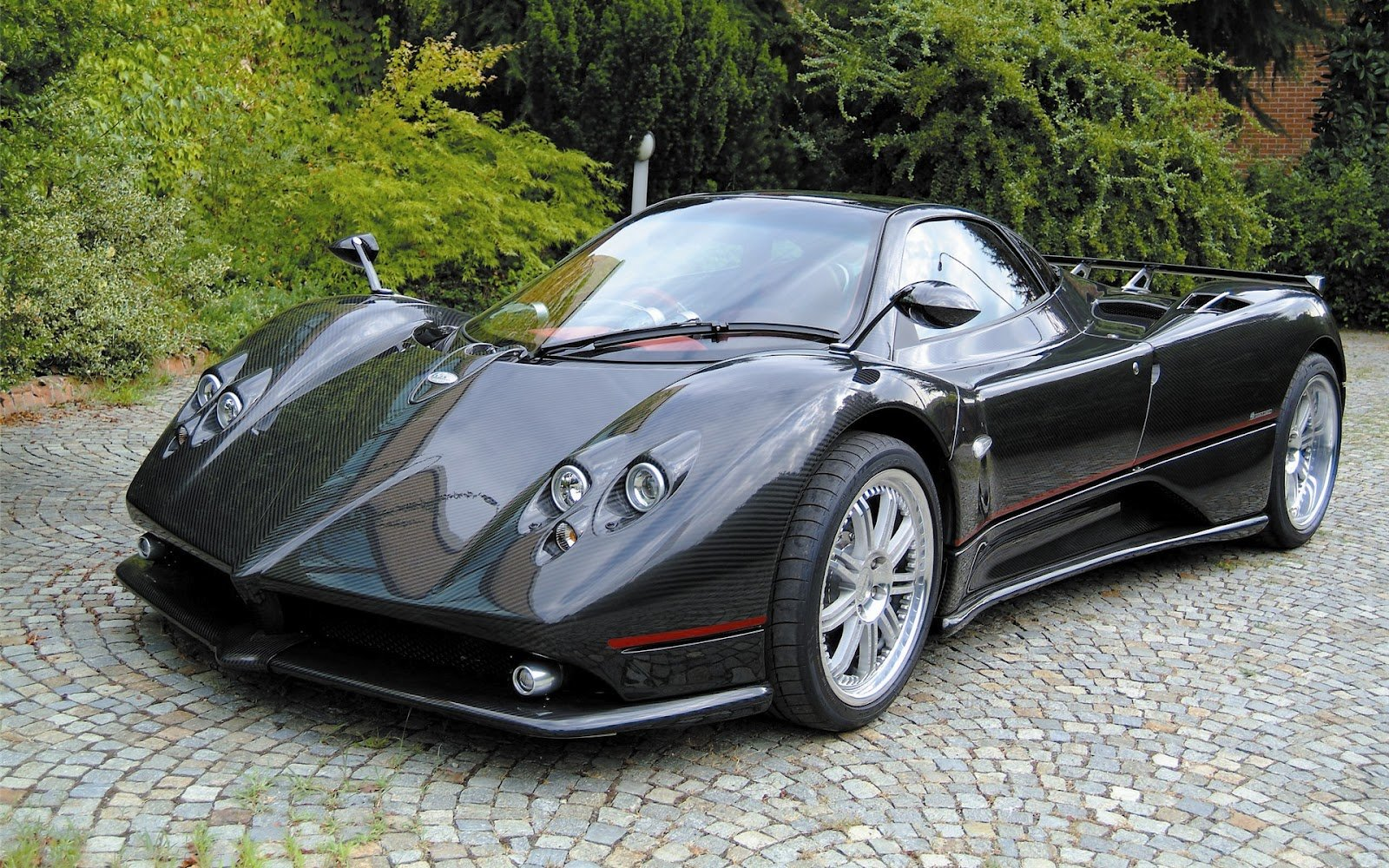 New Wallpapers Of Beautiful Cars Pagani Zonda F On This Month