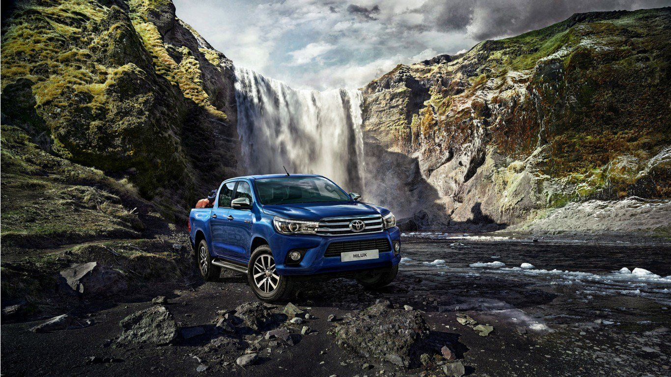 New 2015 Toyota Hilux Wallpaper Hd Car Wallpapers Id 5627 On This Month