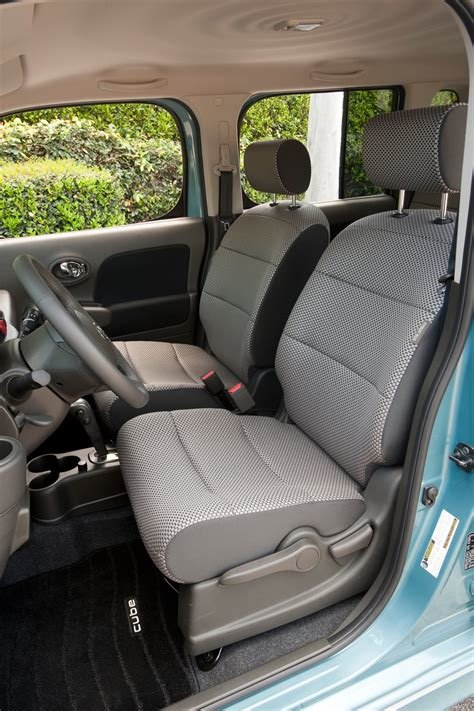 New Nissan Cube Interior Photo From The Car Gallery Pictures On This Month