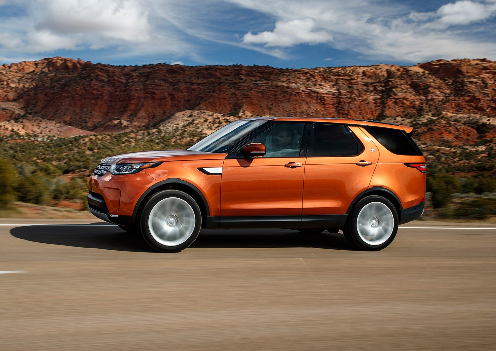 New Land Rover Discovery 2017 Review By Car Magazine On This Month