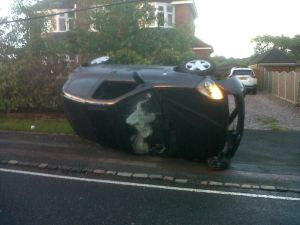 LUCKY ESCAPE FOR CAR ON SIDE IN STOKE ON TRENT 070614 1