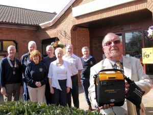 Shirley Community Centre Gets Life Saving Box (2)