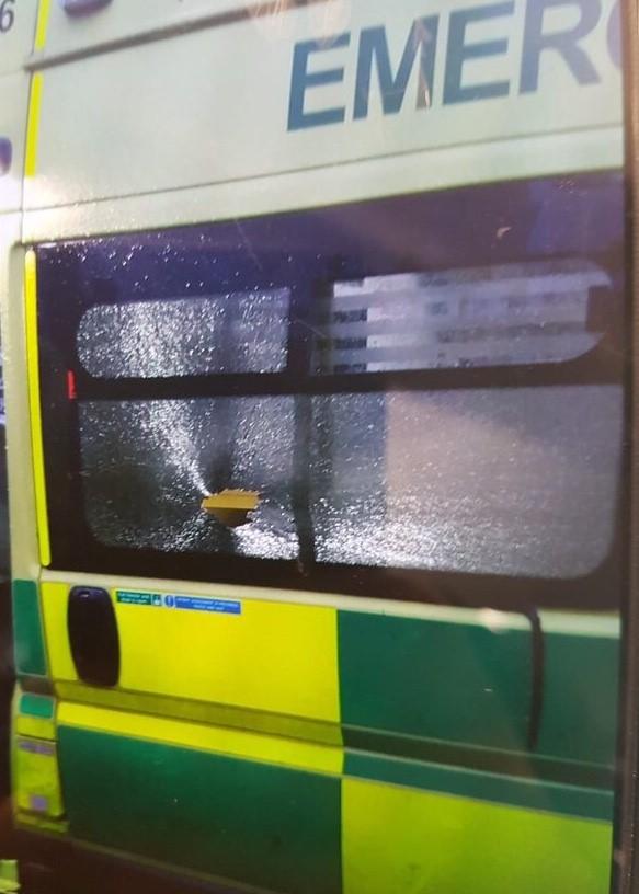 Ambulance window smashed (29-11-18)